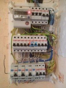 Вызов электрика на дом в СПб недорого ГСК