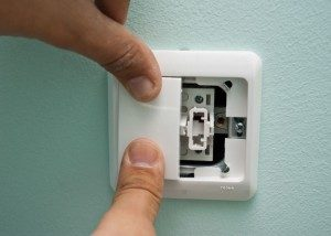 How-to-install-light-switch0889-300x214