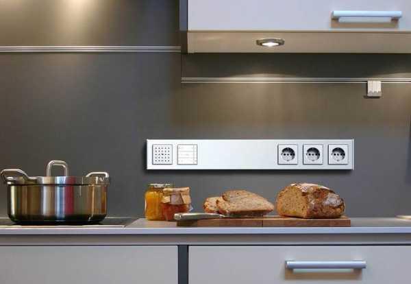 Где на кухне размещать розетки