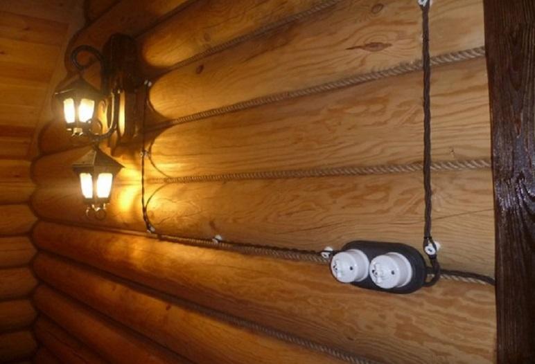 наружная разводка электрики в деревянном доме