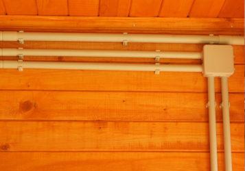 наружная разводка электрики в деревянном доме в ЛО